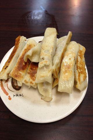 【グルメ】意外と人気の清真黃牛肉麵餃子館で焼き餃子を食べる