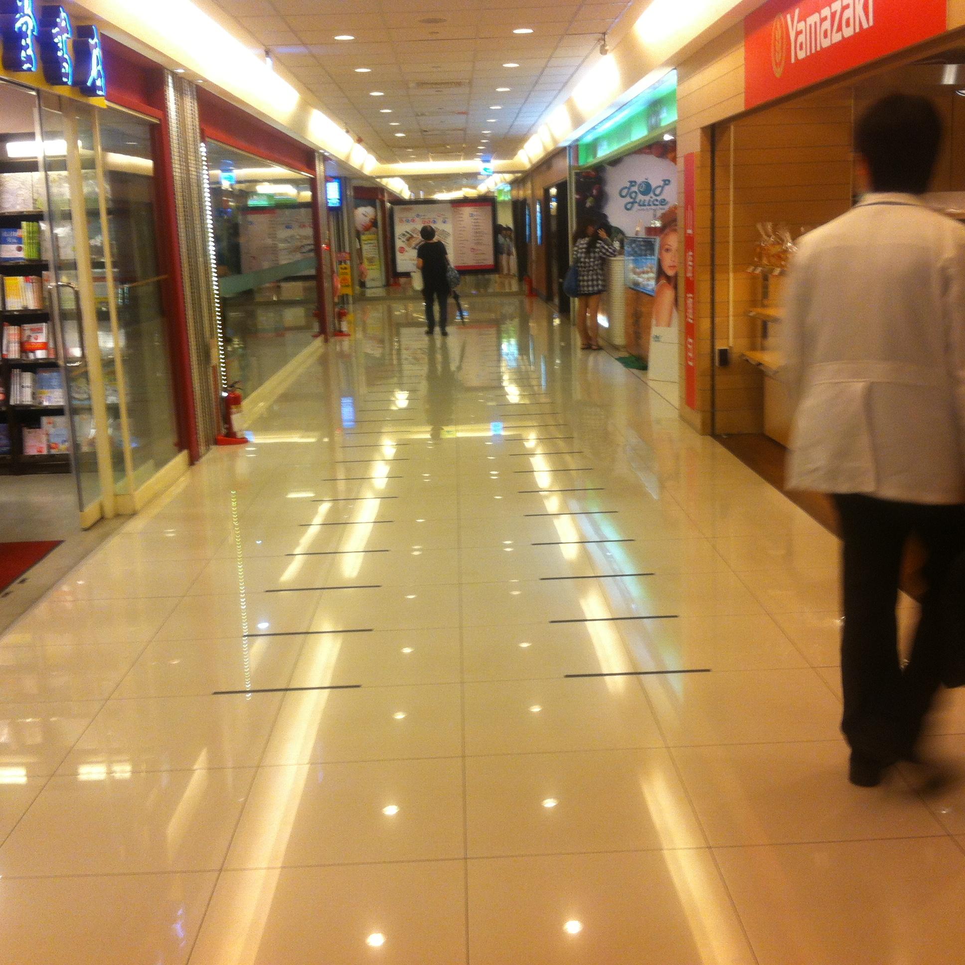 【グルメ】國防醫學院の地下美食街はまるで百貨店のフードコートみたい!