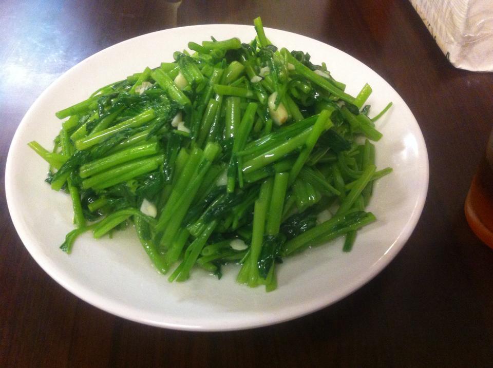 【グルメ】四季紅熱炒100餐廳の空芯菜は最高~♪