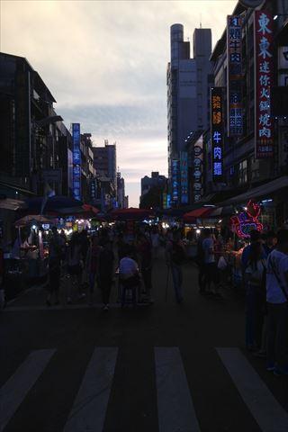 【アクセス】台湾・高雄の六合夜市への行き方